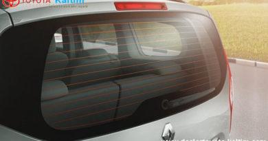 Melapisi Kaca Film Mobil yang Ada Defogger